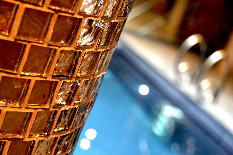 Swimming pool features swimming pool design london for Pool design london